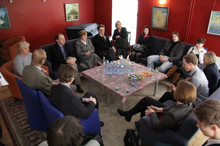 Arvutipõhise õppe pilootprojektis osalejate nõupidamine Gustav Adolfi gümnaasiumis 11. veebruaril. Fotod: Raivo Juurak