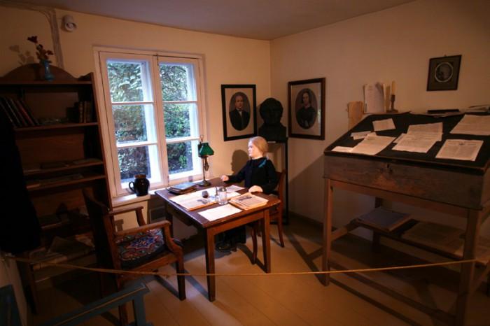 J. V. Jannseni kirjutustuba Koidula muuseumis. Foto: Indrek Aija