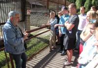 21. augustil külastasid valikkursusi õpetama hakkavad TTÜ ja TLÜ tudengid loomaaeda, kus Aleksei Turovski demonstreeris elavat jutustamist kui igati põnevat õppemeetodit. Foto: Raivo Juurak