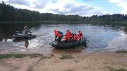 Paadisõit Arbi järvel kuulus maastikuvõistlusel osalejate lemmikülesannete hulka. Foto: erakogu