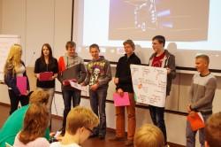 Nõo õpilased osalemas Tartu observatooriumis satelliitide juhtimise projektis. Foto: Andres Mihkelson