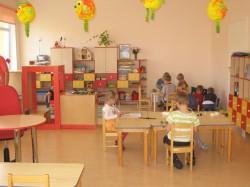 Loksa Õnnetriinu lasteaia uue maja avamisest möödub õpetajate päeval, 5. oktoobril täpselt aasta. Kõik seitse rühma on sisustatud Narva mööblitootja Vireltoni mööbliga. Värvilahendus on igas rühmas erinev.   Fotod: erakogu