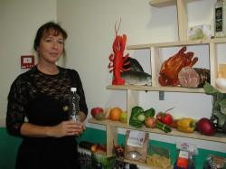 Värskes õhus liikumine, tervislik toit ja vesi on hea tervise alus, kinnitab direktor Margit Toomlaid. Toidupüramiidiga tehakse lasteaias tutvust juba varakult. Fotod: Rannamõisa lasteaed ja Tiina Vapper