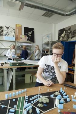 TTK tudengid saavad nelja aasta jooksul süvendatud teadmised-oskused insenerdistsipliinides. Akadeemilisi projekte ühendatakse reaalsete projektide ja arendustega. Foto: Kristjan Lepp