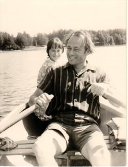 Airi Liimets koos isaga 1972. aastal Õrsava järvel Värskas, kus Heino Liimets pidas suviti vabariikliku õpetajate täiendusinstituudi õppebaasis loenguid.