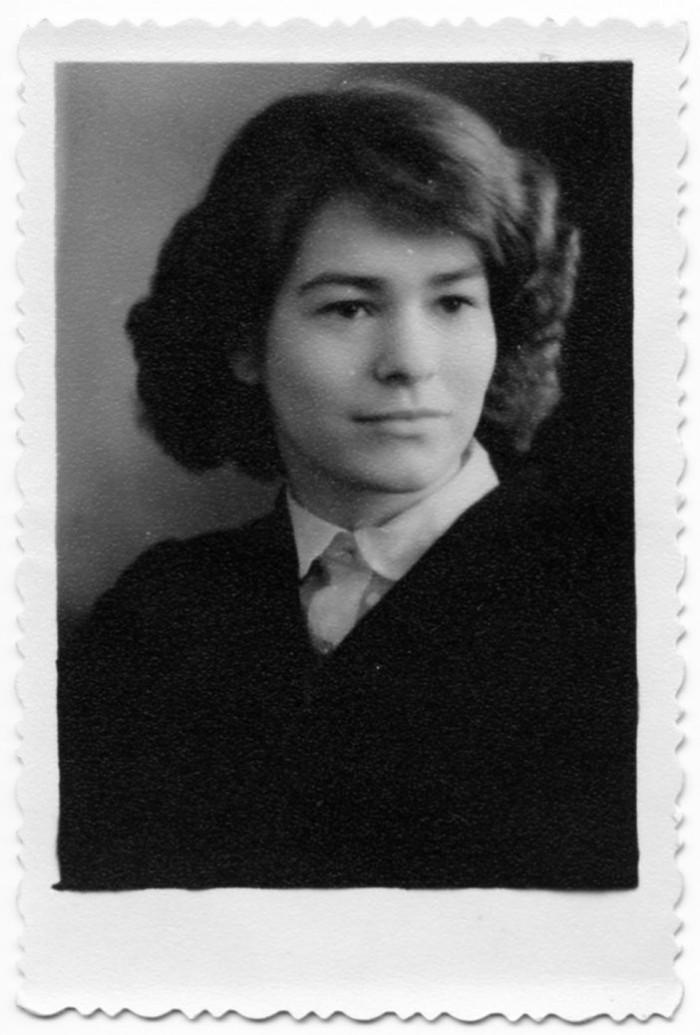 Luuletaja Ave Alavainu on fotol 15-aastane, salaja tehtud esimesed elektrilokid peas