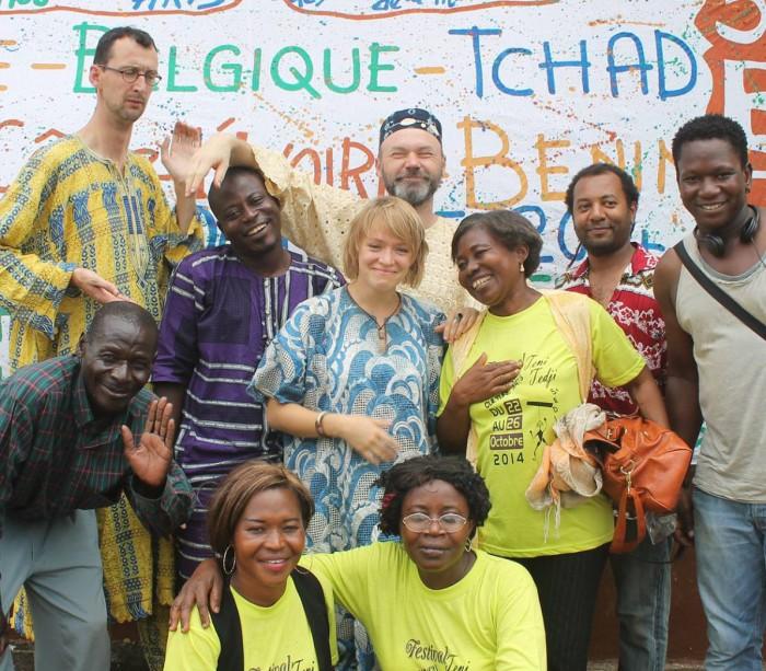 Kõigi viperuste kiuste jõudis NUKU teatri näitleja Sandra Lange Ecuadori teatrifestivalile esinema. Ka ebolast õnnestus pääseda, võib-olla tänu vägevatele rituaalidele ...
