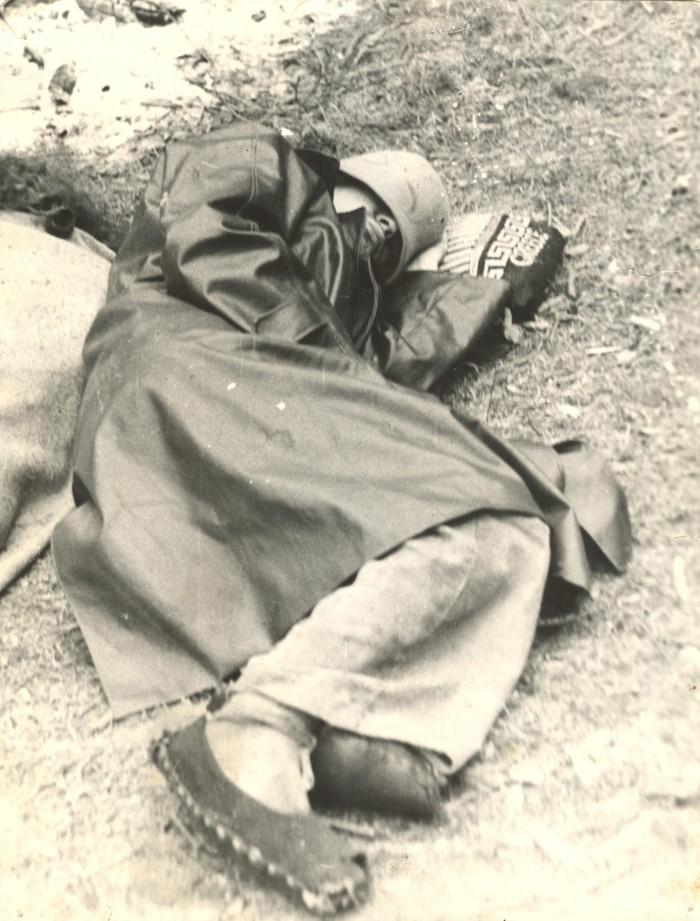 """19-aastane Villu Kangur, tulevane """"ENSV"""" stsenarist puhkeasendis. Uskuge või mitte, aga toonases NSV Liidus polnud punkidest veel kippu ega kõppu kuuldud."""