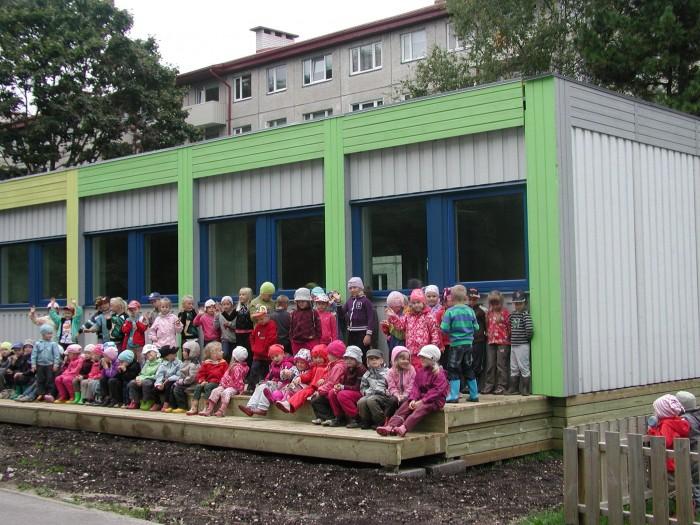 Neljateistkümne rühmaga Lepistiku lasteaiast saab Tallinna suurim  lasteaed. 11. septembril avatakse siin kaks      moodulrühma, kus hakkab käima üle neljakümne lapse. Foto: Tiina Vapper
