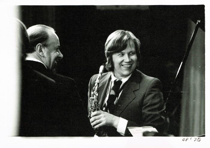 Eesti tippsaksofonist Lembit Saarsalu tähistas tänavu oma viiekümnendat lavajuubelit. Fotol on ta koos klarnetist Aleksander Rjaboviga Leningradis 1978. aasta augustis kontserti andmas.