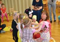 Üheksa aastat väikelastega töötanud Irina Kalso väidab oma kogemuse põhjal, et parimat alusharidust saab lapsele pakkuda kodu või suurtest lasteaedadest oluliselt lapsekesksem lapsehoiurühm. Foto: erakogu