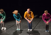"""AjjarAusma, Helen Reitsnik, Päär Pärenson ja Tiina Mölder – autorsuse ja esituse eest vaatajaid kaasavas tantsulavastuses """"Käik"""" (Zuga ühendatud tantsijad / Sõltumatu Tantsu Lava)."""