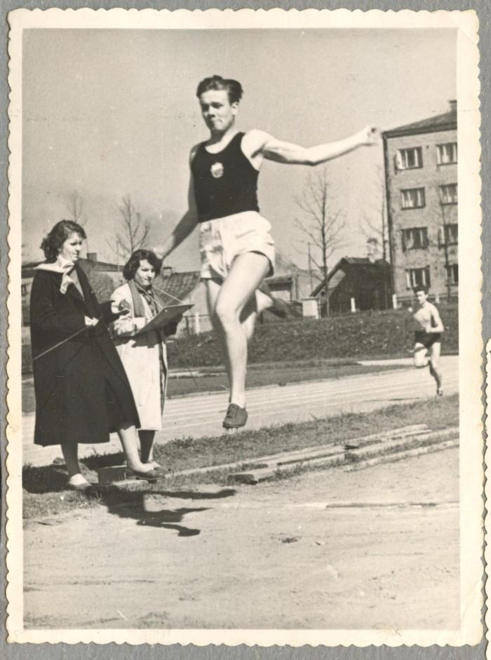 Mati Talvik oli koolipõlves nii kõva kaugushüppaja, et elukutse valikul sai esialgu määravaks sport.