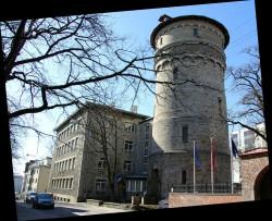TTÜ arhitektuuriinstituut hakkab tegutsema Tallinna kolledži ruumides Tõnismäel. Ehitatud 1937, arhitekt H. V. Johanson. Fotod: TTÜ
