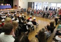 Esimene koolipäev maailma suurimas    eesti õppekeelega koolis Viimsi keskkoolis. Foto: Raivo Juurak