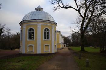 Vääna mõisa tall-tõllakuur on saanud uue hingamise, peahoone on säilitanud hoolsalt ajaloolised jooned.