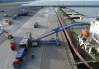 Sadamatöötajaid on Eestis puudu ja neid hakatakse uues Ida-Viru kutsehariduskeskuses Sillamäe sadama baasil välja õpetama. Foto: www.silport.ee