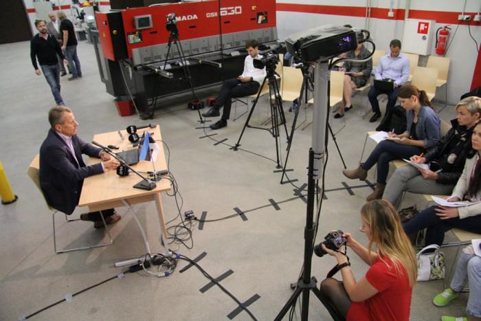 """""""Ettevõtted peavad nelja jalaga olema tööjõu ettevalmistamises sees,"""" ütles minister. Foto: Raivo Juurak"""