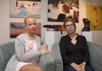 """Triinu Soikmets Haus galeriist ning Sally stuudio õpetaja JaneRemm on mõlemad seotud näitusega """"Puhastatud maailm"""". Esimene korraldaja, teine osalejana. Foto: Raivo Juurak"""
