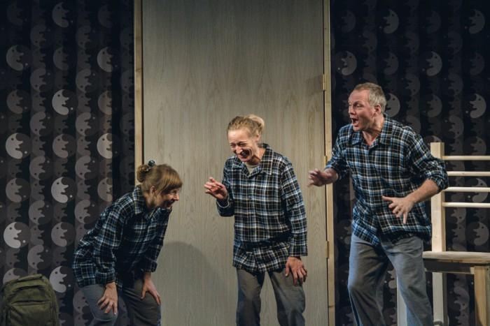 """Novembri alguses Tartus toimuval festivalil """"Teater noorele vaatajale"""" etendub ka Karlova Teatri lavastus """"Veebruariöö"""", mille lavastas Finn Poulsen Rootsist. Foto: Signe Milkov"""