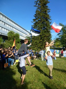 Prantsusmaal lehvitati muuhulgas ka Eesti lippu. Foto: Lauri Sepp