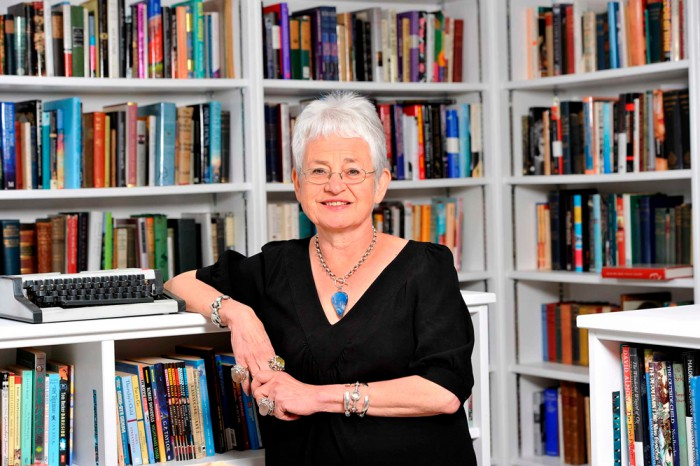 Jacqueline Wilson on avaldanud üle saja lasteraamatu. Ainuüksi Suurbritannias on tema raamatuid müüdud üle 38 miljoni eksemplari. Foto: www.jacquelinewilson.co.uk