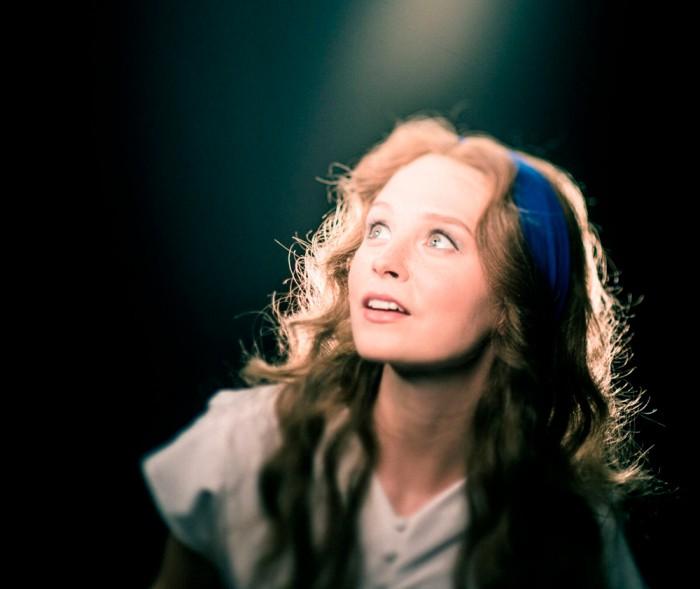 """Adeele Sepp Dorothyna jõululavastuses """"Võlur Oz"""". Foto: Gabriela Liivamägi"""