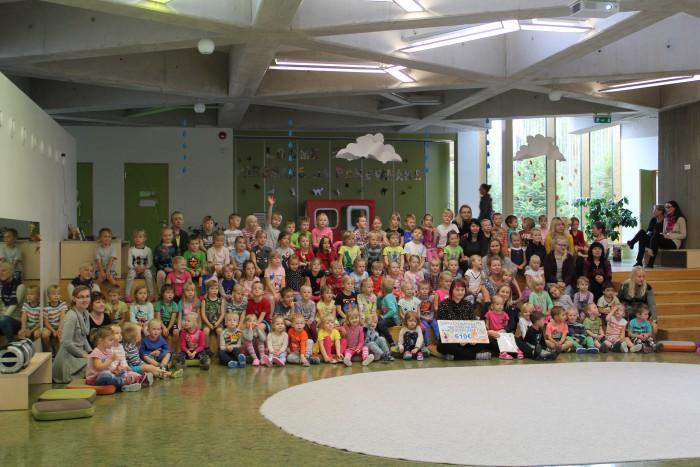 Laada tulu 610 eurot annetati Minu Unistuste Päeva fondi. Foto: Tartu Lotte lasteaed