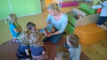 Mai lasteaia sõimerühma lemmikraamat. Foto: Pärnu Mai lasteaed