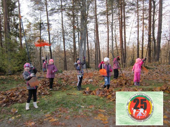 Melliste algkooli-lasteaia lapsed lehti riisumas. Fotod: Melliste lasteaed-algkool