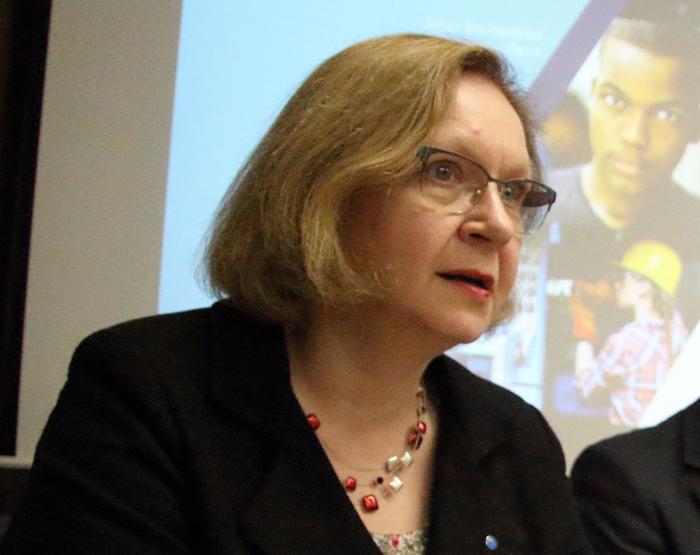 Maris Lauri oma esimesel pressikonverentsil Tõnismäel. Foto: Raivo Juurak