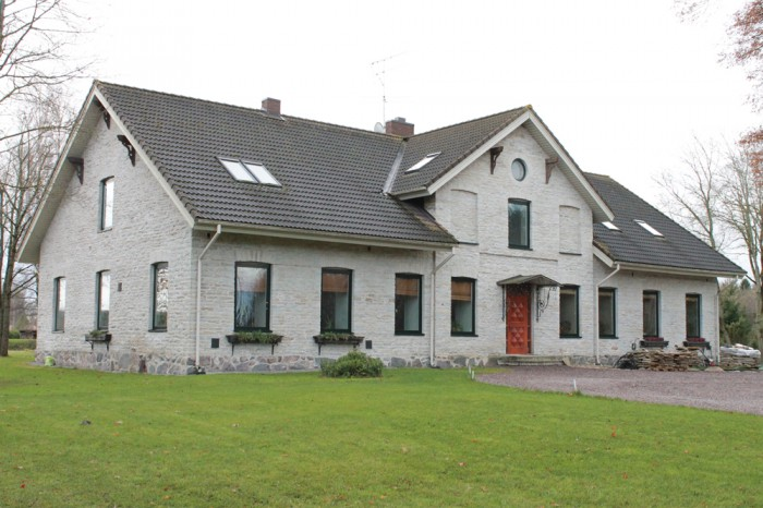 Saue vallamaja, 19. sajandi lõpp. Saue on end ajalukku jäädvustanud küla, mõisa, valla ja lõpuks ka linnana. Fotod: Lembit Teinbas