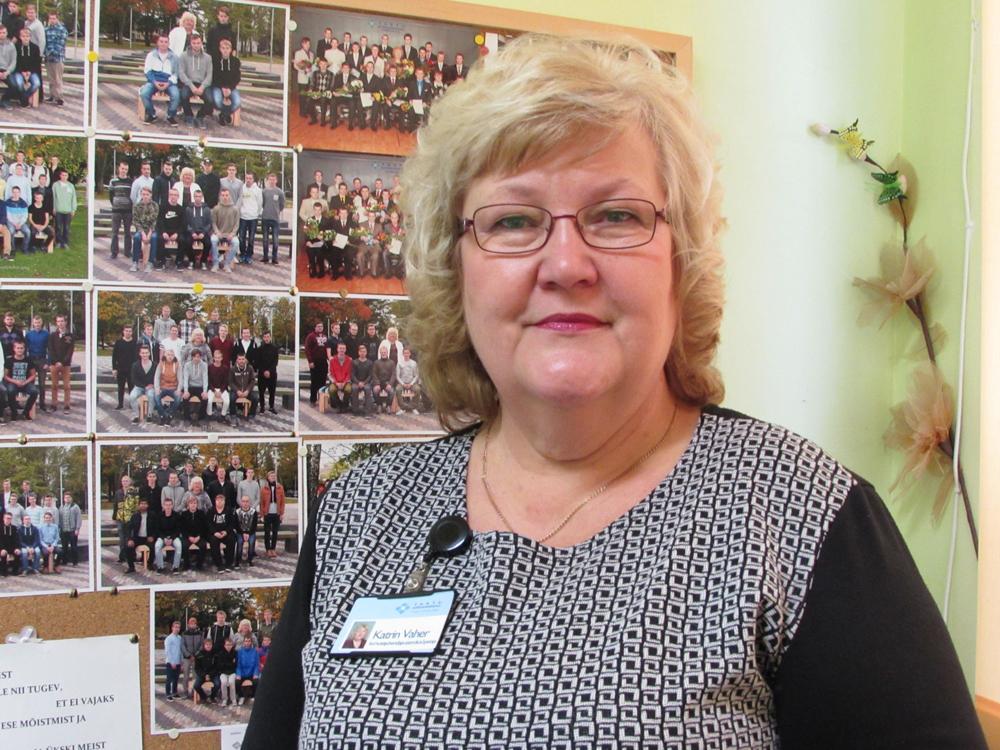 e7e0145b918 Katrin Vaheri kabineti seinal ripub suur stend, kus on reas fotod kõigist  tema kursustest. Töölaual aga leidub toredaid omatehtud asju, mis poisid on  talle ...