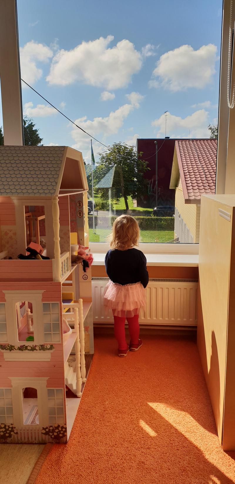 97f3215237b On lapsi, kes veedavad lasteaias päevast päeva kaksteist tundi ...