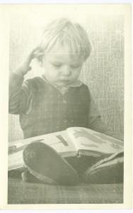 Lapsepõlves oli Andruse armastatuim ajaviide kodus istumine ja raamatute lugemine.