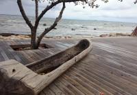 Vaade ruhele kalarestorani Ruhe aknast Neeme sadamas. Terje Lindau-Kuum on vanasse paadikuuri rajanud suurepärase kalarestorani, mis on populaarne mereäärne lõunatamiskoht, aga kuhu tullakse üle ilma ka pulmapidu pidama – seni on kõige kaugemalt tuldud Singapurist. Fotod: Merike Viilup