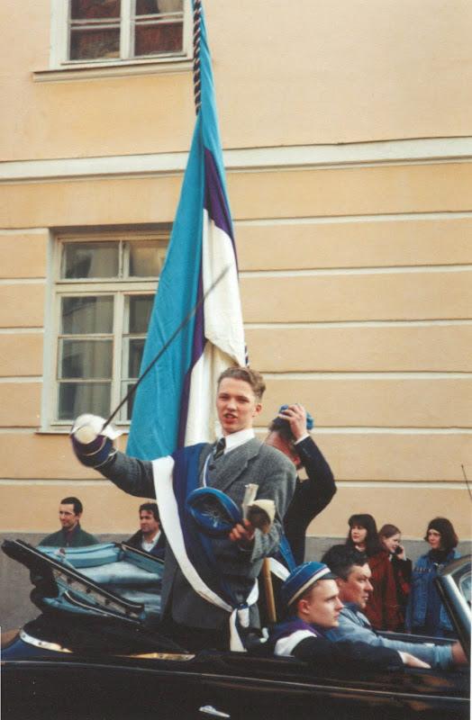 Foto on tehtud 1997. aastal Tartu tudengite volbrirongkäigus. Margus oli siis korp! Sakala seenior ehk esimees.