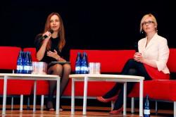 """Diskussioon """"Uuenev õpetajaharidus ja    uuenev ülikool"""".  Arutlevad Kristi Vinter ja Pille Slabina."""