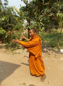 35-aastane koolidirektor ja Wat Kok Chorki budistliku templi vanemmunk Daro Keb on olnud buda munk ligi poole oma elueast.