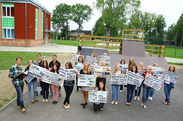 4-1 Illustratiivsed fotod   üle eestiline Varivalimiste flash mob ja ideede kogumine_T_rva noored_foto Ülla Tamm