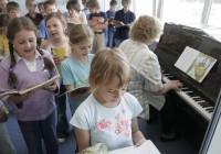 Õpilased, kes kardavad klassi ees laulda, eelistavad kirjalikke kontrolltöid. Pilt on illustratiivne. Foto: Raivo Juurak