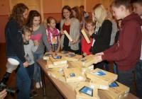 13. oktoobril kinkis Elisa Eesti AS Pärnu Vanalinna põhikoolile 30 tahvelarvutit. Suur tänu! FOTO: Mare Hallop