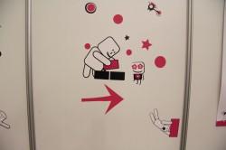 Pisigraafika kutsevõistluse bokside seintel.