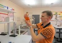 Viimsi keskkooli teaduse populariseerimise tegevust veab  Peeter Sipelgas. Foto: Sirje Pärismaa