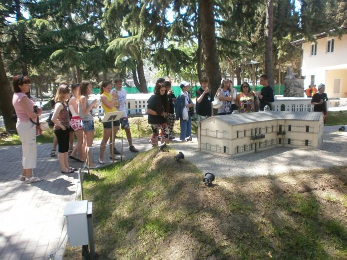 Õpilased ja õpetajad ekskursioonil Krimmi miniatuuride pargis