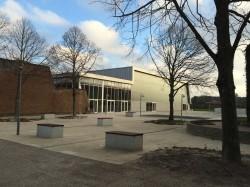 750 õpilasega Skanderborgi gümnaasium.