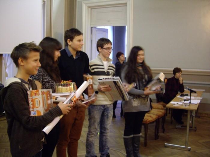 """Vene keele konkursi võitjavõistkond """"Lotte"""""""