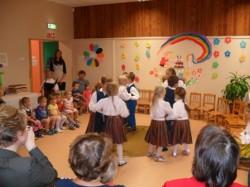 lasteaia juubeliks tants kingituseks