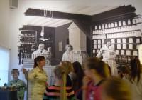Tervishoiumuuseumis avati nädala eest kolmas korrus, mis muu hulgas tutvustab ka farmaatsia ajalugu. Fotod: Mari Klein